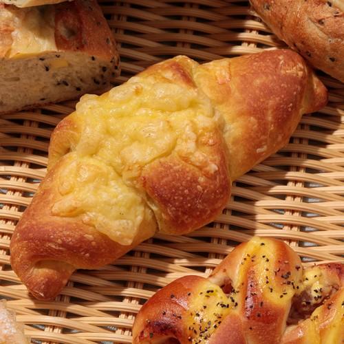 カレー風味のバターパン.jpg